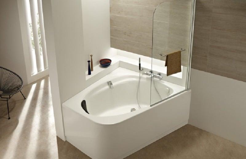 Quelle est la hauteur standard pour une baignoire